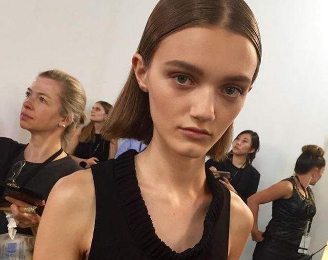 Critican a Victoria Beckham por contratar modelos muy delgadas