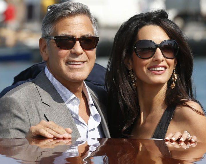 Medios: George Clooney cenará con Michelle Obama y los duques de Sussex