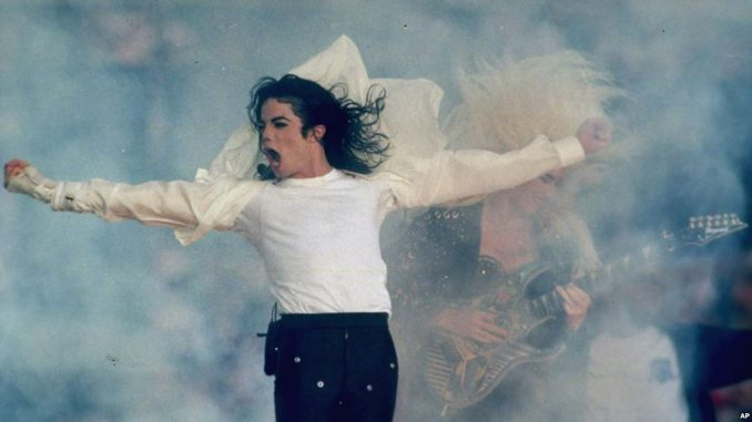 Herederos de Michael Jackson demandan a HBO